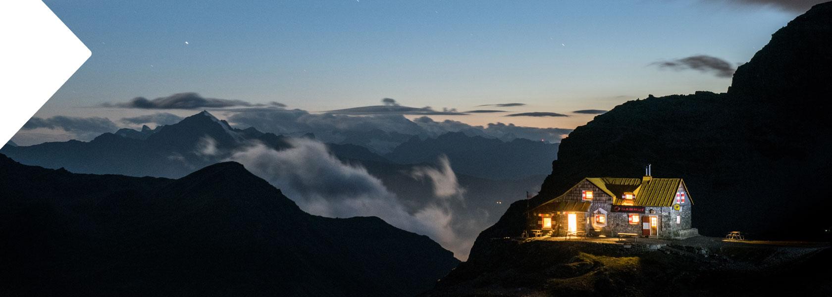 notte-stellata-montagna-lombardia-rifugio